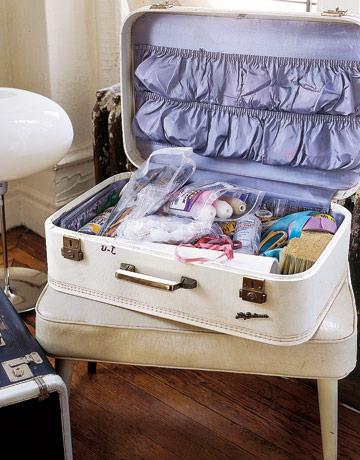 Craft-Supplies-Vintage-Suitcase-MKOVR0806-de